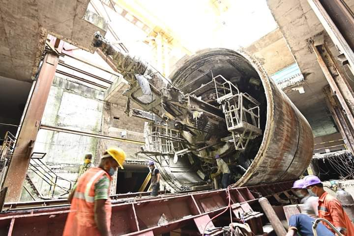 """Have a glimpse of the Tunnel Boring Machine """"#URVI"""" used for the underground  tunnelling work from #Esplanade to #Sealdah station.  URVI has  been taken out and is being dismantled. These pictures show the front view of """"URVI""""."""