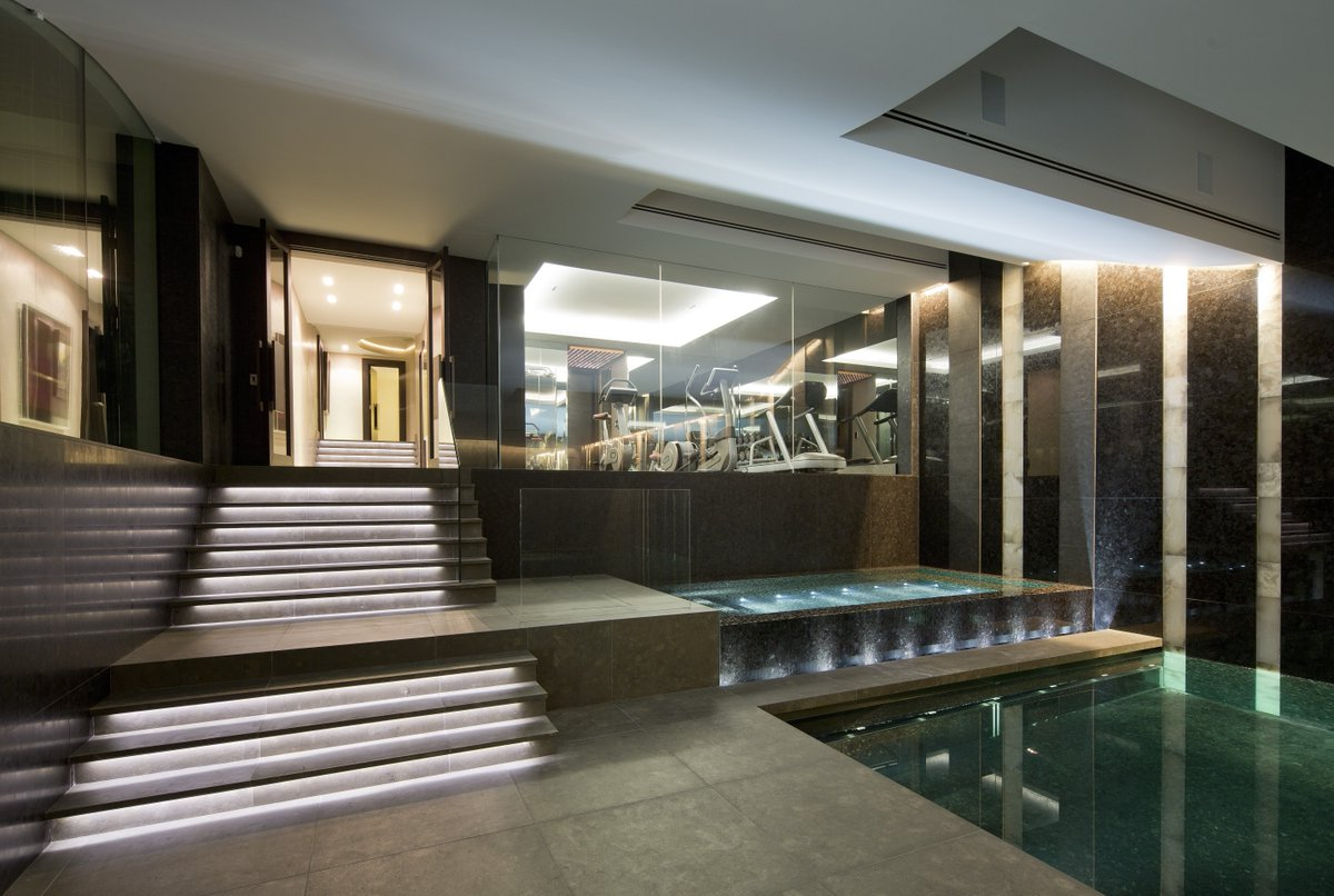 This #basementrenovation project utilised our #internalglazingsystems to create a #framelesspartition with #heatedglass in the gym and pool area.  Case study >>> https://t.co/7xXtFYllZs https://t.co/FoMpmKVDvH