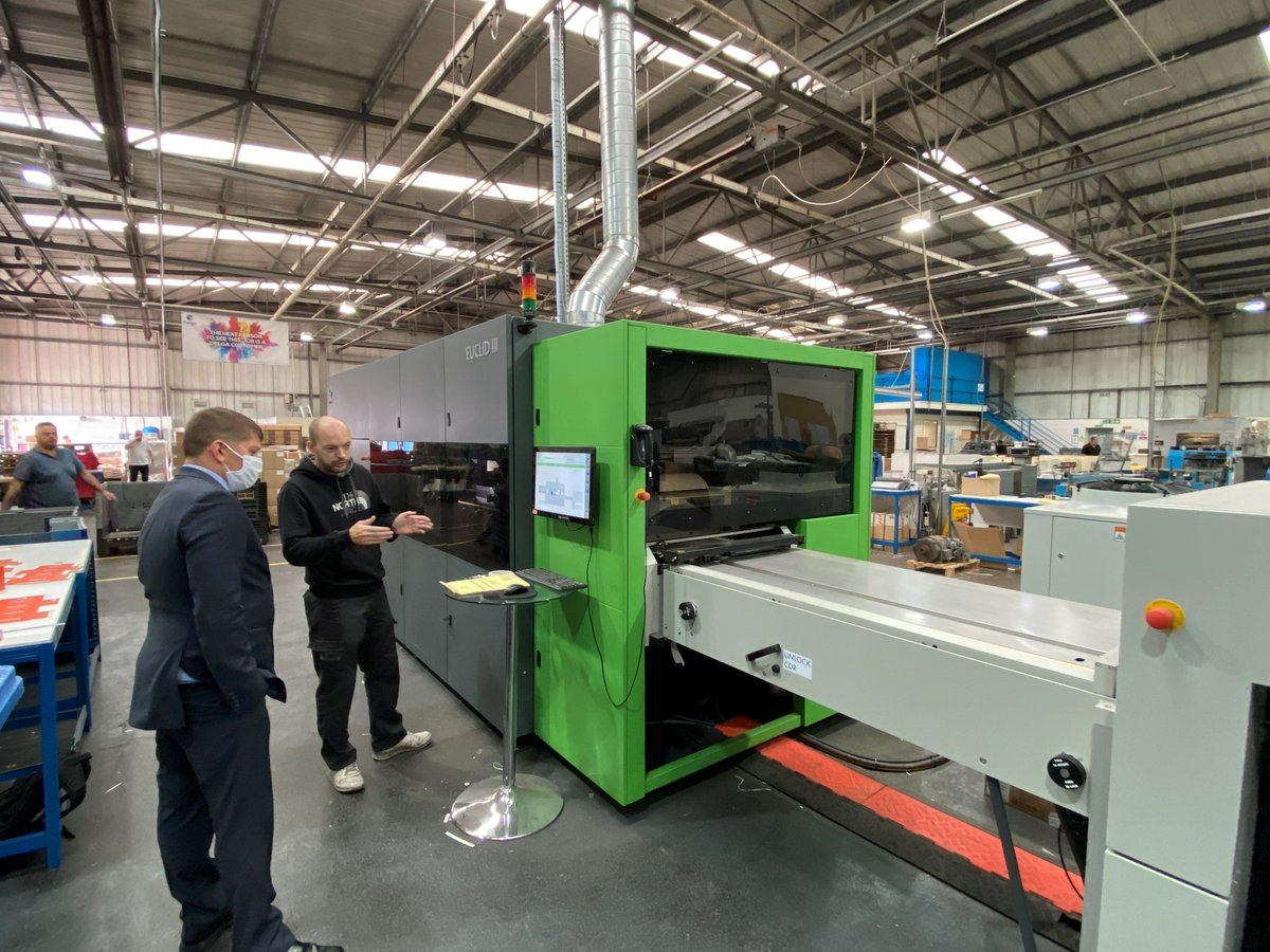 Great article about the Euclid digital cutting and creasing machine at @delga_press - despite the pandemic it's busy running customer jobs!