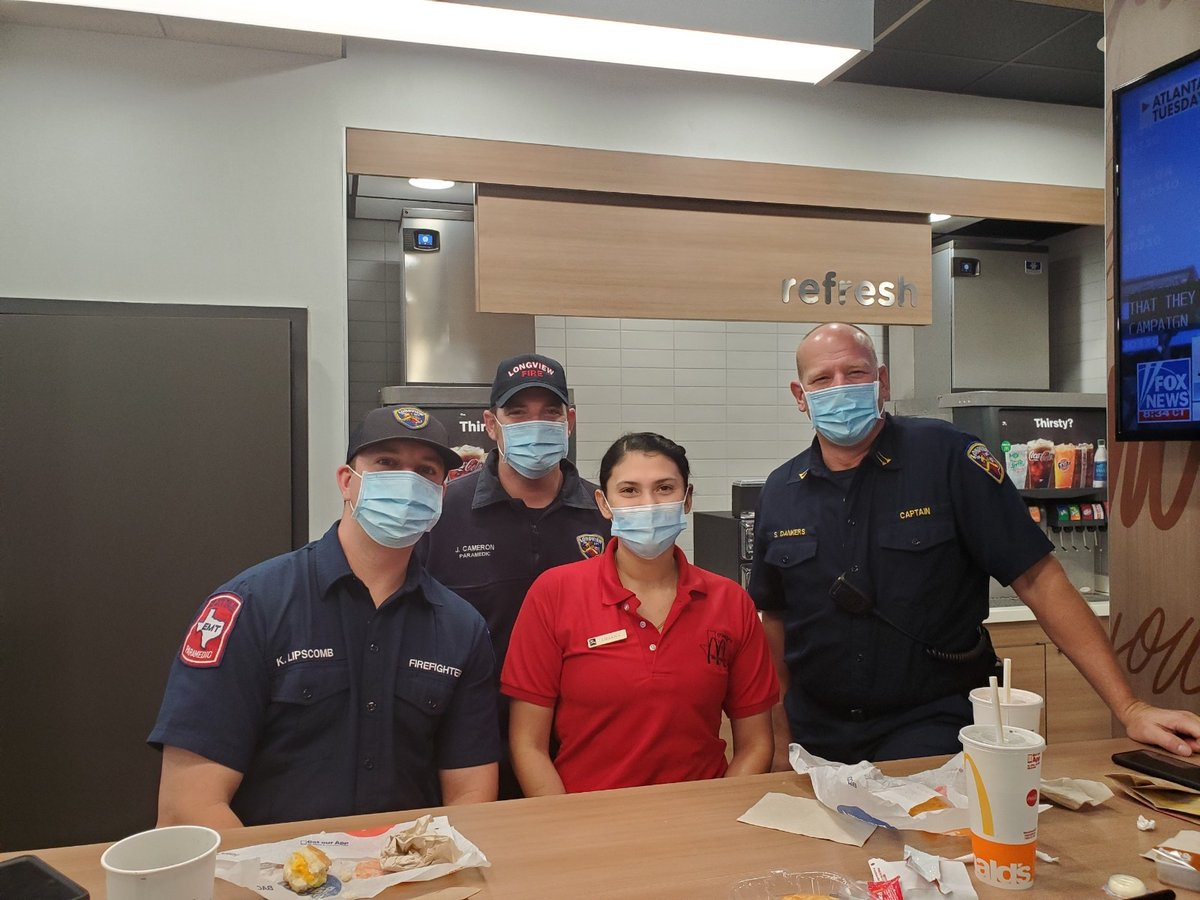 We had a great time last week giving free meals out to our First Responders for First Responders Day! Thank you First Responders for everything you do for us everyday- we are forever grateful for your service. #oreillymcd #imlovinit #firstrespondersday