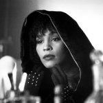 Image for the Tweet beginning: 1992 #WhitneyHouston  lanza la