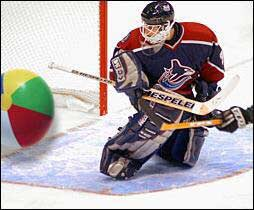 """""""The Clapper"""" at #Canucks games - those were some good times with """"The West Coast Express"""", plenty of scoring , fights but we also remember """"Beach Ball"""" Cloutier (Lindstrom-Red Wings on April 21-2002) #FridayFunday #Vancouver #NHL #NHLPlayoffs   #Happy Friday all !!! https://t.co/lub3Cv75rA https://t.co/ThuagiNKqT"""