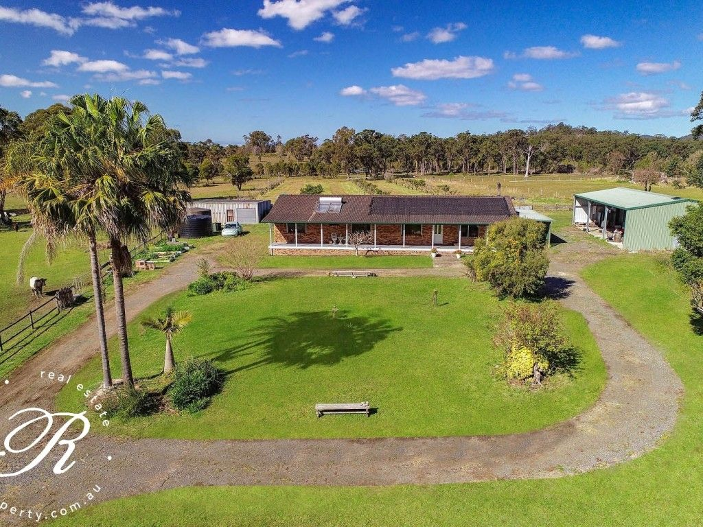 For Sale: Easy, relaxed, boutique rural lifestyle living https://t.co/kAolHAj0CZ  On 23.5ac (9.51ha), there is room for horses, alpacas, motor bikes and a range of hobby farming activities that deliver a wonderful lifestyle only minutes from Bulahdelah. #nsw #bulahdelah #forsale https://t.co/D7zvMr3iH3
