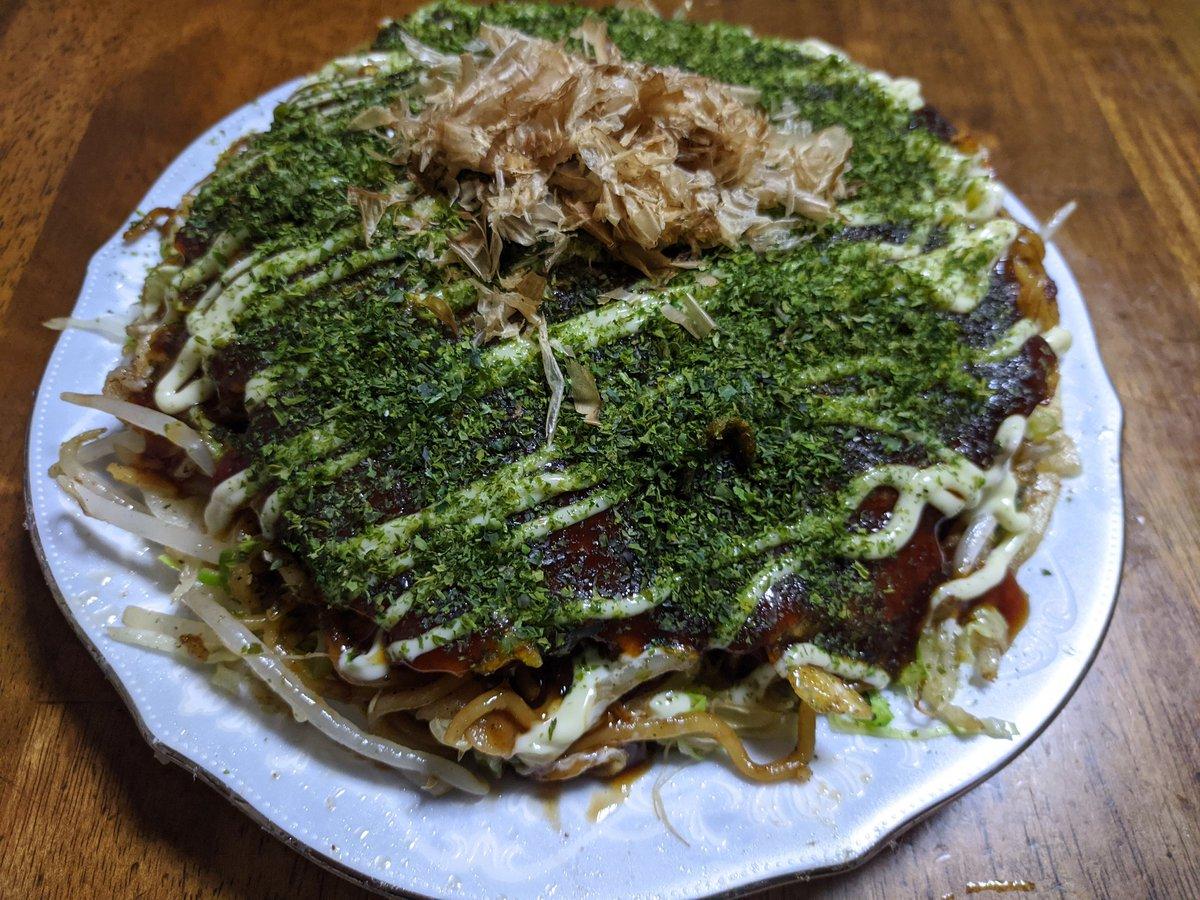 広島風お好み焼き!このレシピならひっくり返して失敗する事がないから、なんなら関西風より簡単だったりする。ほんと旨くて、リピートが止まらない(^q^)