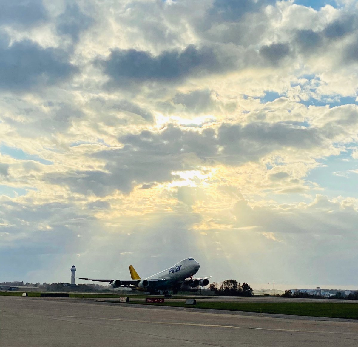 Cargo is always moving at CVG! ✈️   #CVGnext #airporttwitter https://t.co/1nxrbx63BE