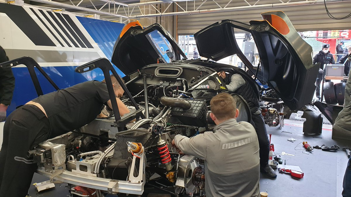 Work in progress as the McLaren is stripped down and rebuilt today at Spa.  #Spa24h #GTWorldChEu #McLaren https://t.co/NRhB8pl3rf