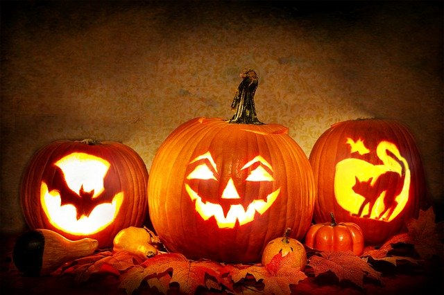 Some of the topics in our staff newsletter... / Ideas for Lockdown #Halloween: https://t.co/Mszj5POxiL / Ways to de-stress according to personality type: https://t.co/qmp9dEYgWm / Staff pumpkin carving competion! / Staff wellness survey #staffwellbeing #staffappreciation https://t.co/ksOlOYfvH3