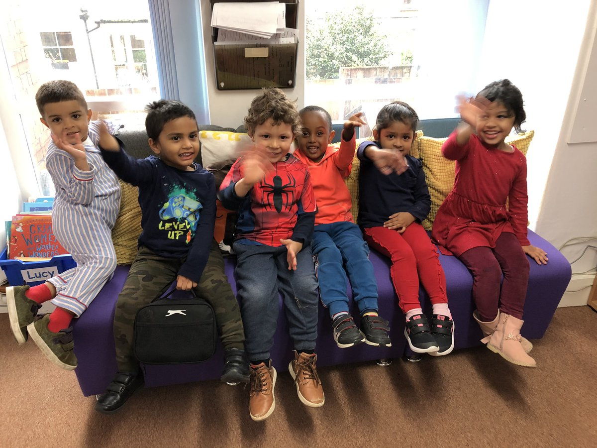 Lovely to get a visit from our Sunflowers🌻 (Nursery children!) to my office just to say hello 😊⭐️ #KindnessMatters #Smile #oracy #speaking #schoolsreopening #happyschools https://t.co/vhgkiRkQS0