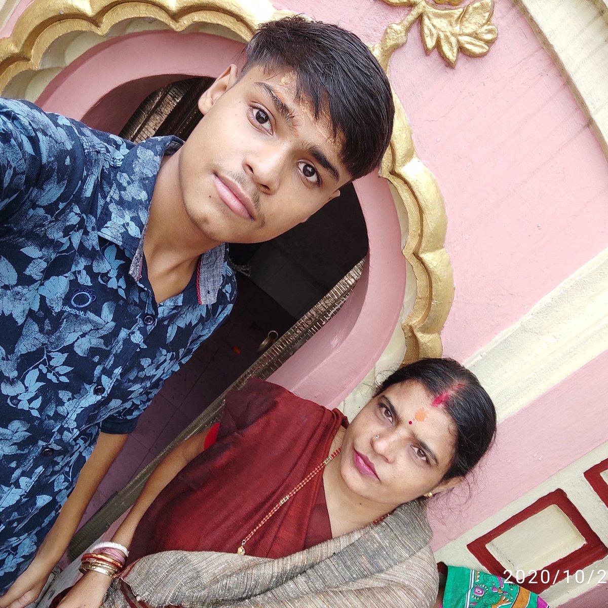Me & my mom...Today we have come to meet the Mahadev....     #harharmahadevॐ https://t.co/bNtwhWav8q