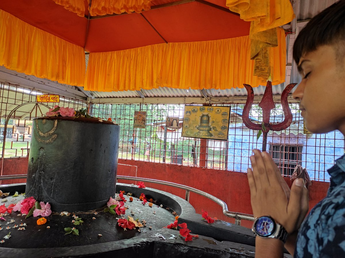 Today we have come to witness the Mahadev.... To the mota shiv....  #harharmahadevॐ https://t.co/leogjMRHVN