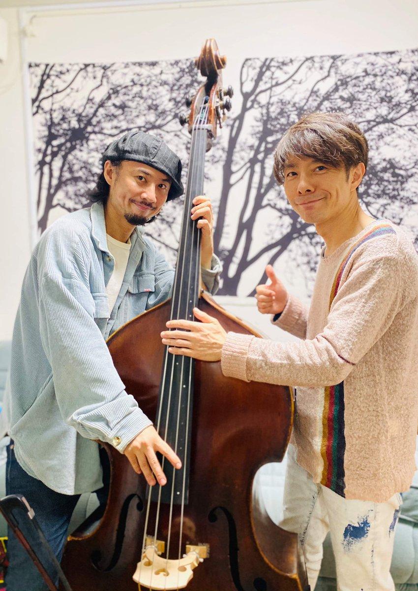 本日は扇谷研人さんと明日の配信LIVEのリハーサルを、共演は久々でしたが音楽の中にスッと入り込めた良い時間でした。明日の配信、かなり高音質でお届け出来るようで楽しみです。