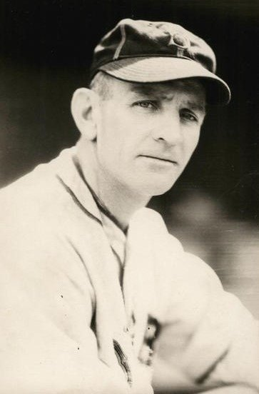 Give us this day our daily Casey Stengel photo. 😉  Return to the Major Leagues, 1932. Following his sixth season at the helm of the Toledo Mud Hens, Casey approached Max Carey, the new manager of the Brooklyn Dodgers... (1/2) https://t.co/Z30DEroSSN