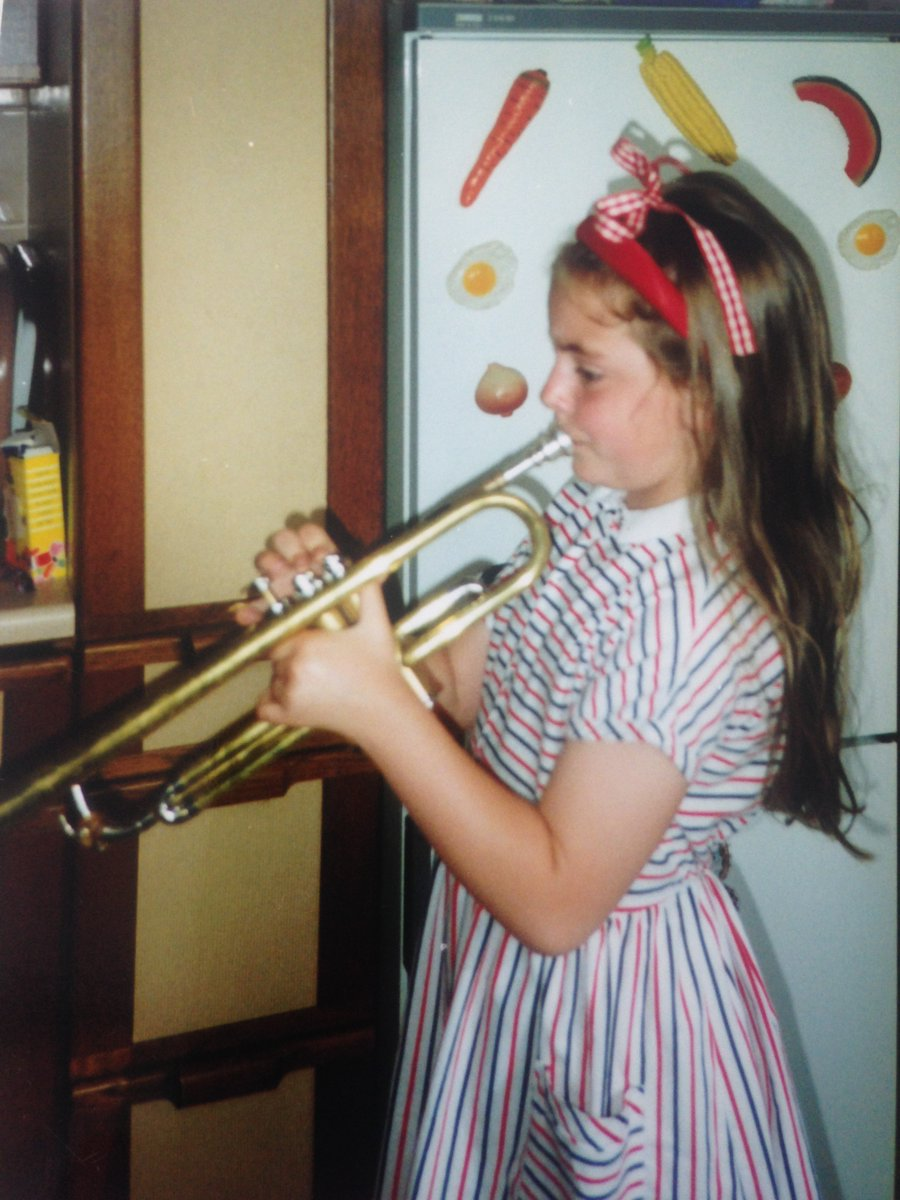 Here's 7 year old me with my trumpet!  Music helps your child develop their maths, problem solving and teamwork skills and have lots of fun too! 😊  Find out more about fun music lessons here: https://t.co/THD14axUz4  #brasslessons #pianolessons #singinglessons https://t.co/lDb5OhxbOy