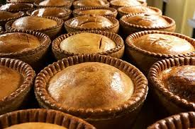 We're delighted to announcethat we'll be supporting @MarcusRashford's campaign to provide #FreeSchoolMeals to children in #Lincoln & #Lincolnshire!  Any child aged 12 & under, accompanied by an adult, can eat at Browns Pie Shop for free throughout half term! #endchildfoodpoverty https://t.co/rDiYFMafnj