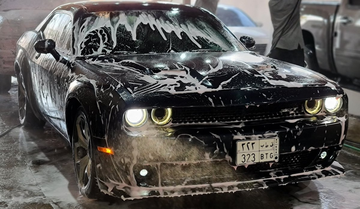 #Dodge #Widebody @Dodge #Challenger #ChallengerRT Washing the beast https://t.co/l6jkzNgGsb