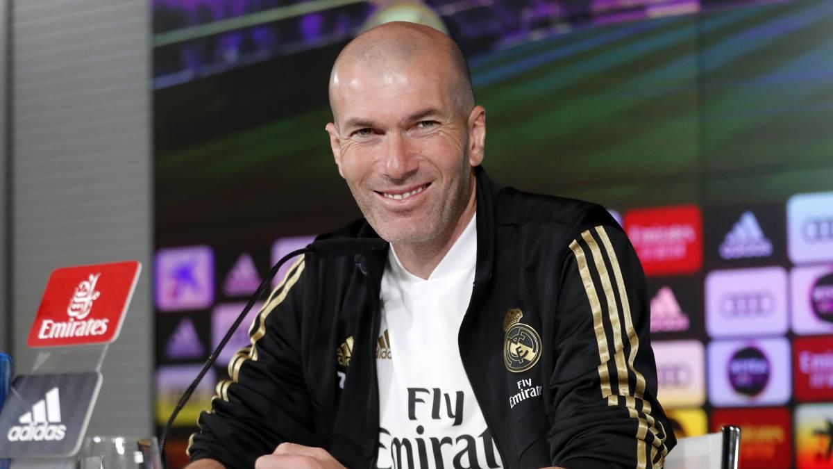 El técnico del Real Madrid, Zinedine Zidane, confirmó la recuperación de Sergio Ramos para la disputa del clásico ante el Barcelona y aseguró que el capitán está al 100 %. El central entrenó con normalidad, sin muestras de dolor en la rodilla izquierda, golpeada frente al Cádiz. https://t.co/KoU4uiaE4p