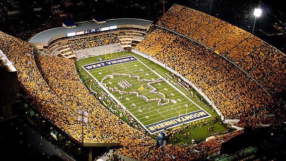 Blessed to receive an offer from West Virginia University!!🔵🟡 @730scouting @SGasperWVU @GeradParker1 @WVUfootball @bbarbato53 @chris_mayo76