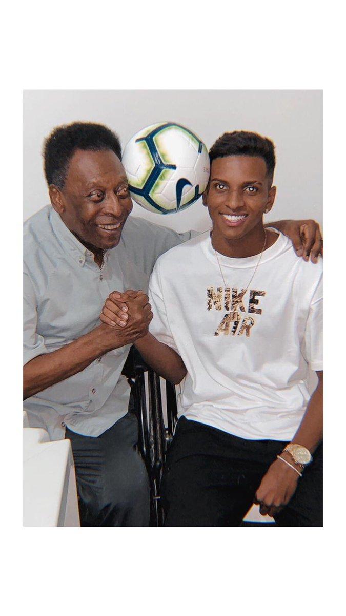 @RodrygoGoes's photo on Pelé