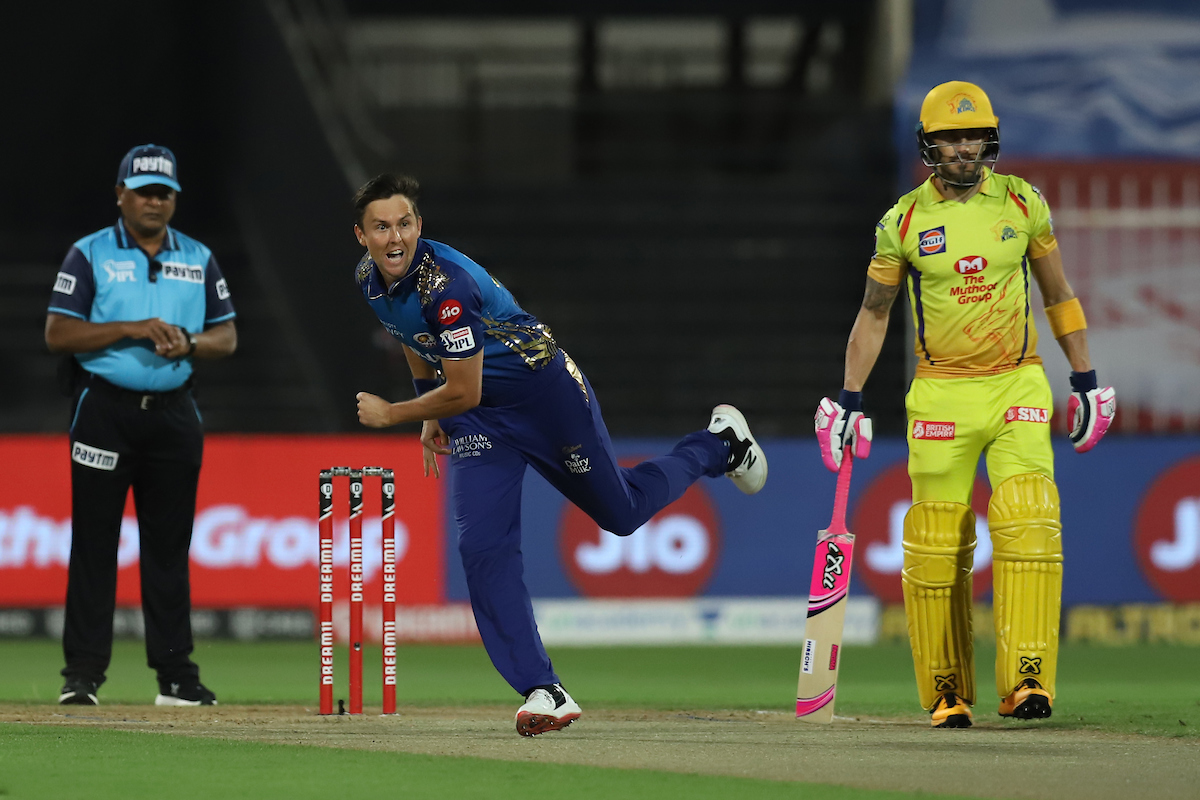 CSK lose 3 early wickets, Dhoni comes out in 2nd over - newsdezire