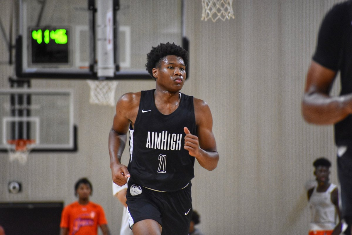 Omarion Smith (@OmarionSmith16) really grew on me this summer. He's an elite athlete (6'5), great on the boards, and a strong finisher. Makes shots in the mid-range. Relentless motor. Productive. I think he can help A-Sun and Big South type schools. https://t.co/YAmIAADWIc