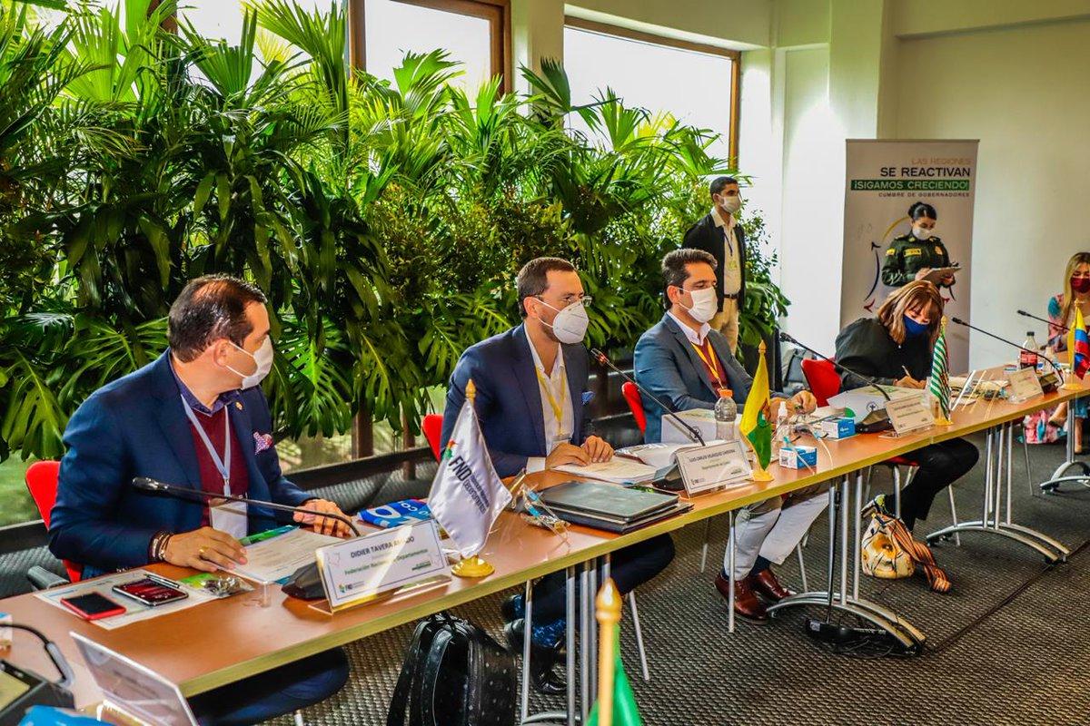 Estamos en la Cumbre de Gobernadores #LasRegionesSeReactivan, al lado de @FNDCol y @LuisCarlosGober. Impulsando la ruta segura de #ReactivaciónEconómica en las regiones del país; priorizando la vida y salud de los colombianos con iniciativas de impacto regional. @infopresidencia https://t.co/Gncuo02O5t
