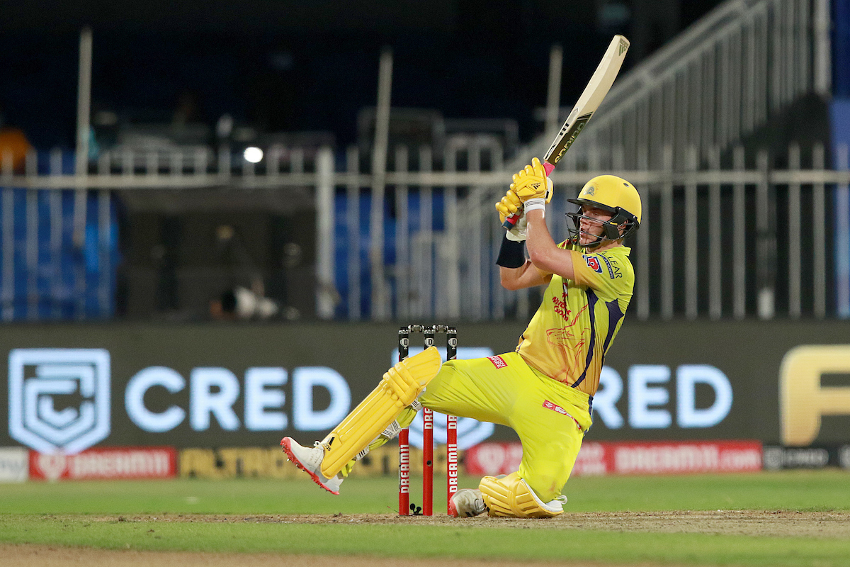 Lone man standing for #CSK.  He brings up his 2nd IPL half-century #Dream11IPL https://t.co/9Wt7srFaC8