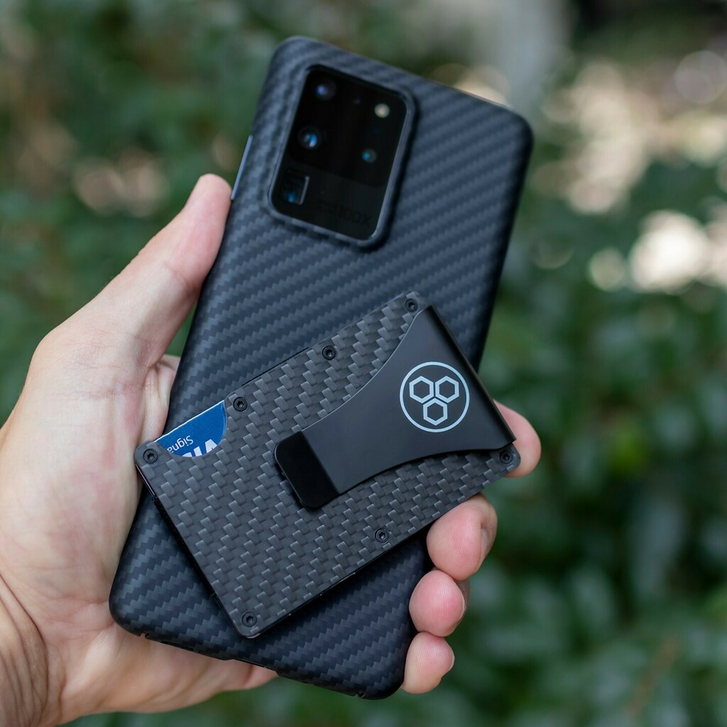 Loving the look and feel of our AraMag case on the Galaxy S20 Ultra! If you're a fan of minimalistic cases like we are, you've got to check out these cases. They're the perfect addition to an already huge phone, such as the S20 Ultra or Note 20 Ultra. Pl… https://t.co/MB0ypsWqgE https://t.co/2R5JQXeczD