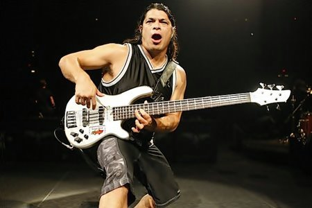 #HBD #RobertTrujillo !! https://t.co/JrDzKJWAEH