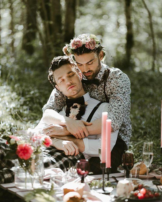 📸 : @jasmineandrewsphoto Couple: @_stevenflynn and @arronblake  #lgbtqfamily #queercouple #lgbtbusiness #lgbtqphotography #queerphotographer #queercouples #lgbtqpride #lgbtbusinessowners #lgbtqphotographer #lgbt #gay #gaycouple #gaycouples #husbands https://t.co/nsvL1l9IYp
