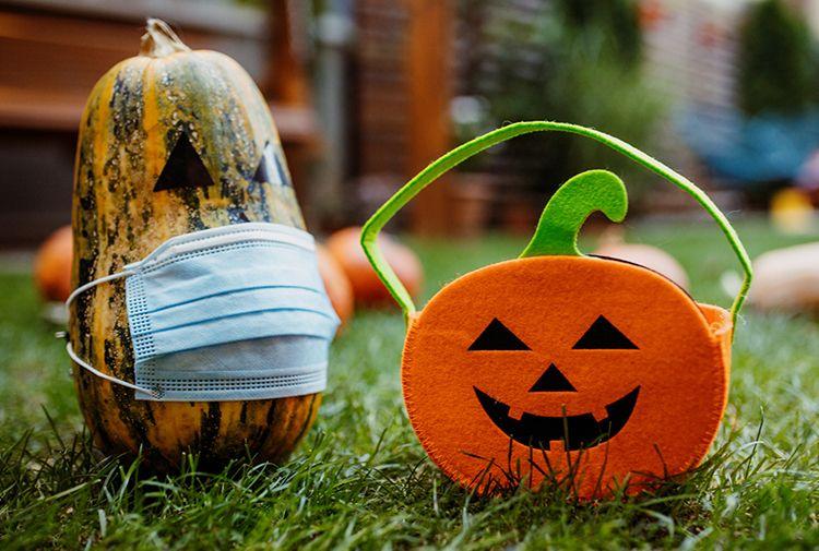 12 Cool and Creative Pumpkin Carving Ideas https://t.co/6vU39NaeB0 https://t.co/CvuJXegIUY