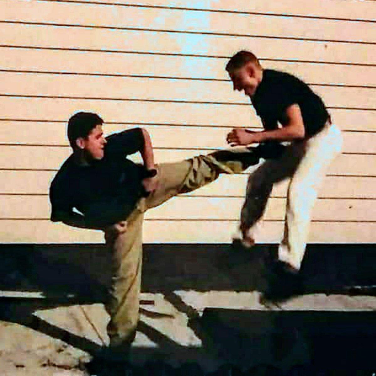 "Cousin Ray""DJ Exel""Diaz Kicking cousin Dragon Lee with a Side-Kick!!!💥 Bronx, NY. #AnthonyTheTigerCruz @Twitter https://t.co/Ak7ALSll2G"