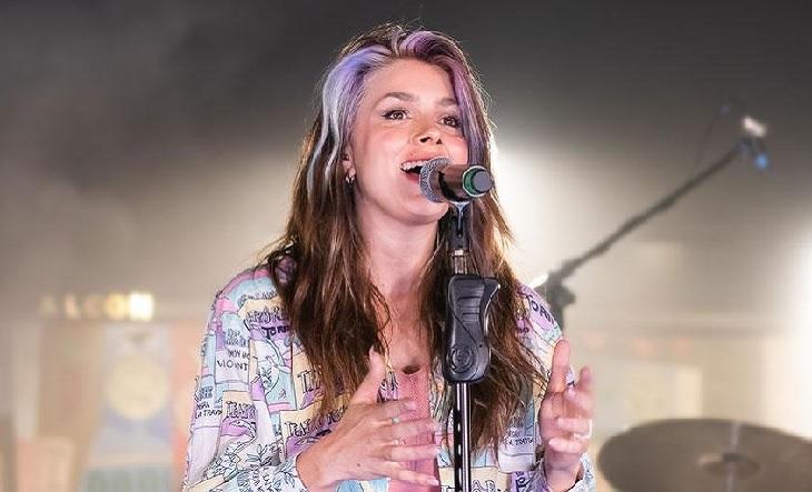 """🎤@NataliePerezz brindará un concierto gratuito vía streaming.  El show de la cantante y actriz, enmarcado en el ciclo """"Modos híbridos"""", se realizará este sábado, a las 20, a través de la plataforma Vivamos Cultura.   ➡️https://t.co/wXux2MPYed https://t.co/sxoFndTMs8"""