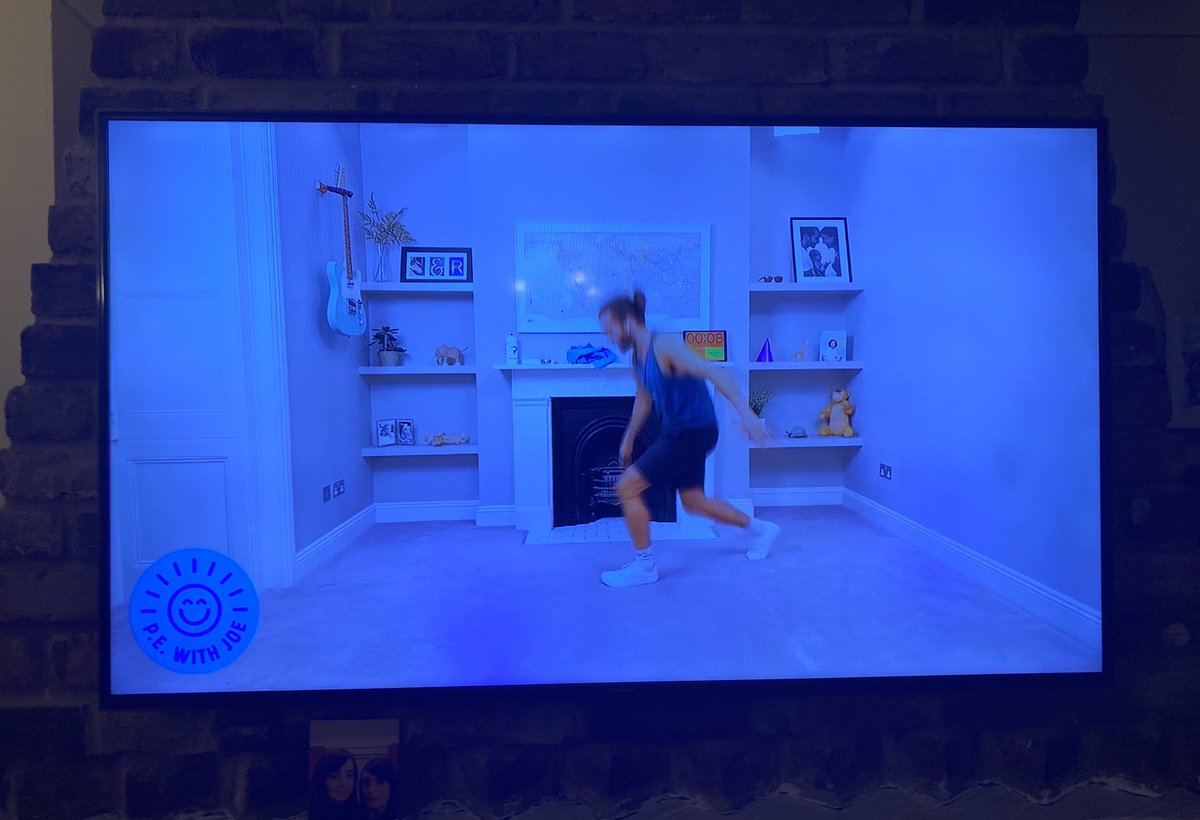 Friday evening #PEWithJoe feel a lot more healthier now - Last Dance episode from May! Slam dunks instead of silly billy dance moves @thebodycoach 🏀 ⛹🏼 https://t.co/81JByH5XrB