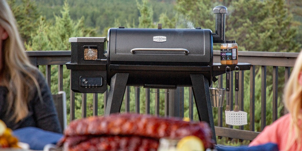 Meet the NEW Pro Series 1150, the perfect full size wood pellet grill for the everyday grilling Pro!  Now that's Grilling done right!  Find the NEW Pit Pro Series at select @Lowes stores.  Shop for it online at: https://t.co/c3DWInkaNd https://t.co/lozYXaFtZe