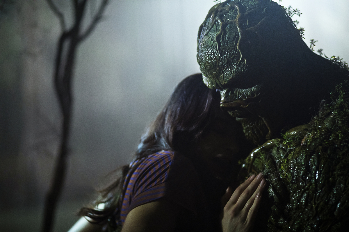 Swamp Thing senses a growing darkness within the swamp.  Watch a new episode of #DCSwampThing TONIGHT at 7P on CW39 Houston! https://t.co/ZPMZQXBibK