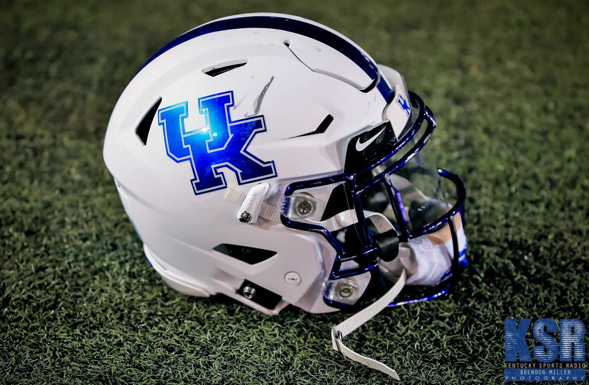 #Football #Main LOOK: Kentucky going with all-white unis vs. Mizzou https://t.co/1rTSCjKSne https://t.co/JNix5q4Tzi