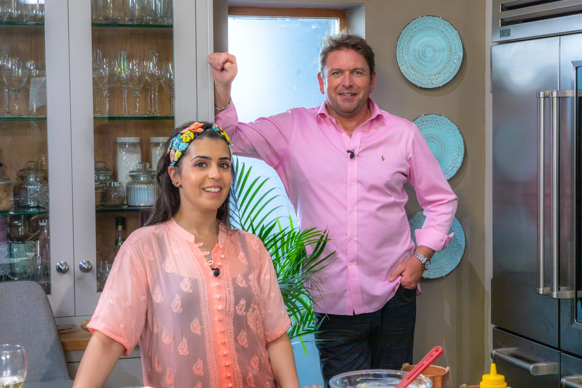 Looking forward to sharing another packed show with you tomorrow! @jamesmartinchef is joined by @katiemelua, @_StephenTerry_ and @dipnaanand. Get set for top recipes, a masterclass in jam-making and more food inspiration from the banks of the River Test! 9.30 @ITV https://t.co/tcMA1Fu9Li