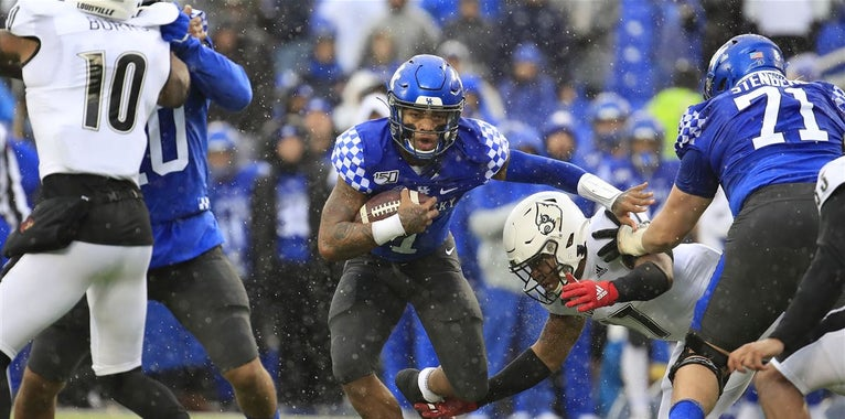 Kentucky-Louisville football series extended  https://t.co/0A4XkAN2Uo #BBN https://t.co/NzNYgculew