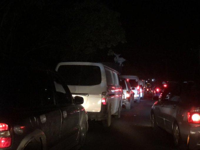#TráficoSV | Se reporta tráfico lento de Santa Ana a Chalchuapa, debido a un accidente que ha dejado a una persona fallecida y una lesionada.  #ITVX https://t.co/Vbd4XFr4qY