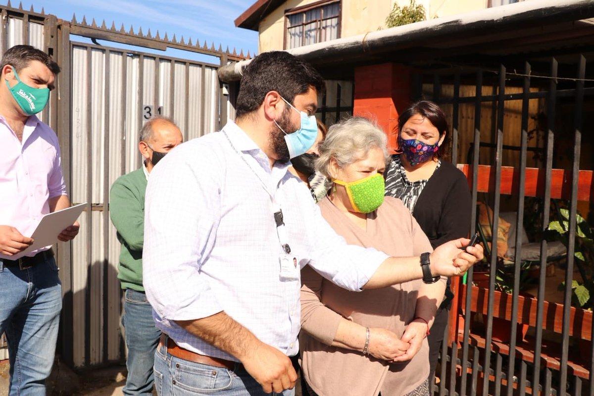 Hoy continuamos con el trabajo de coproducción de seguridad con nuestros vecinos mediante la entrega de alarmas comunitarias.