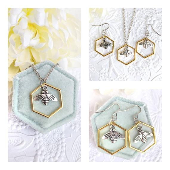 Bee Jewelry Set, geometric https://t.co/IeeTvTq7w9 via @EtsySocial #torontostyle #shoplocal #Beejewelryset #Geometricjewelry https://t.co/VNgSXMjlRN
