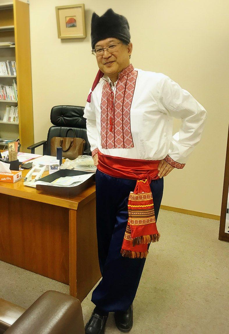 そういえば、 こちらも気になる~🤔 そう!#館長 の衣装!!  昨年はウクライナ🇺🇦の #民族衣装 で みなさんをお出迎え♪ 今年も #サプライズ はあるのか。 あなたの予想は😎? 当日、見逃せません🤩✨  #11月3日 #オープンデイ #京都市国際交流会館 #毎日投稿 #5日目 #ukraine #ethnic #costume https://t.co/AtE2uuSlXC