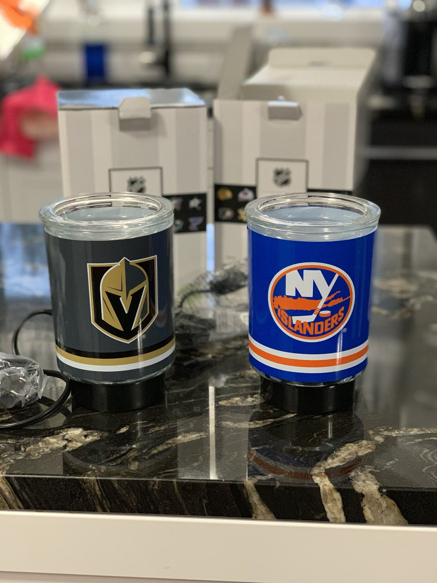 Battle of the warmers! https://t.co/g8FBB3HDQM #GoldenKnights vs #Islanders https://t.co/b6WMTVQQLh
