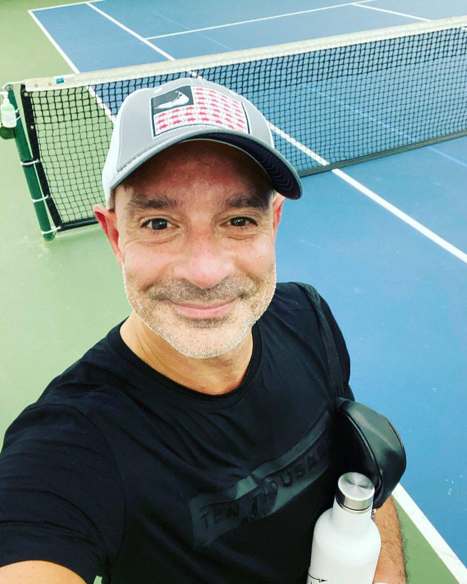 Loving ending Fridays with some #tennis #notafraid https://t.co/UaRFI48HKf