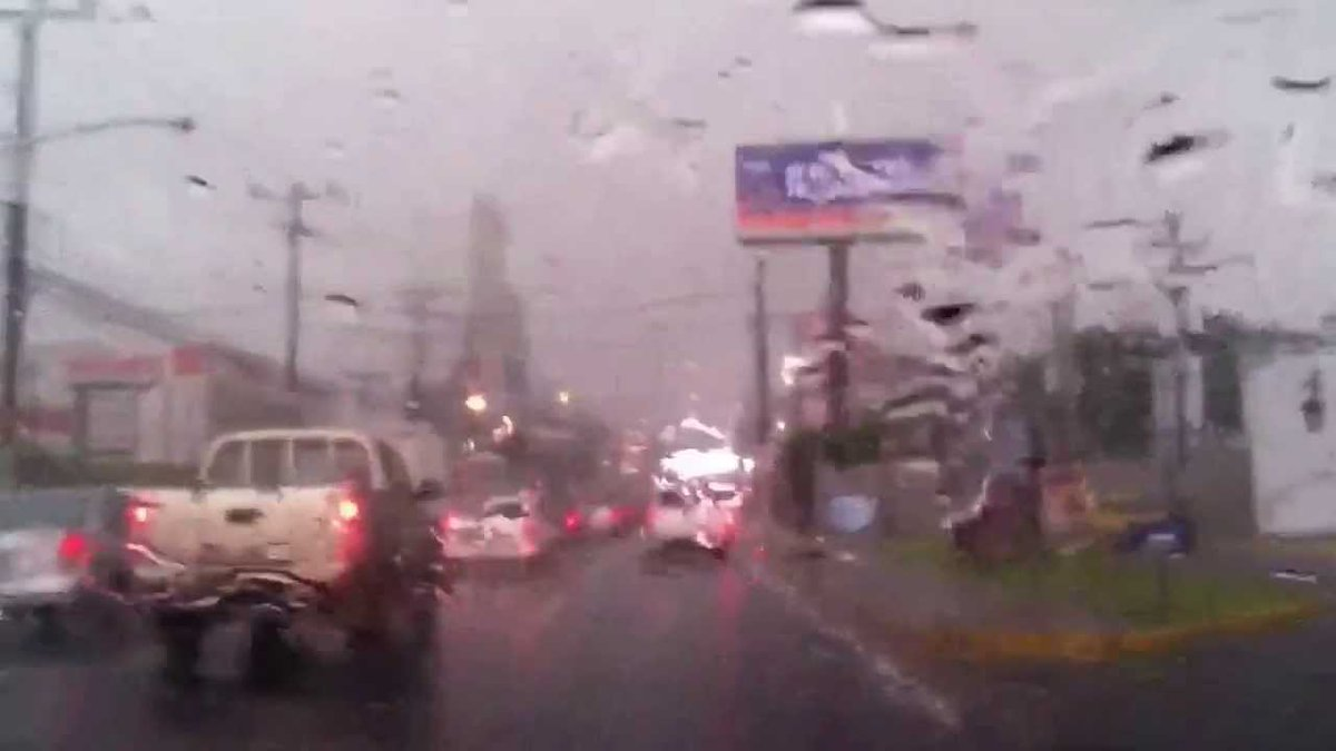 Prevén lluvias de moderadas a fuerte intensidad para este fin de semana Lee más aquí: https://t.co/VtQUho9h5M  #ITVX https://t.co/2nLwCboshC