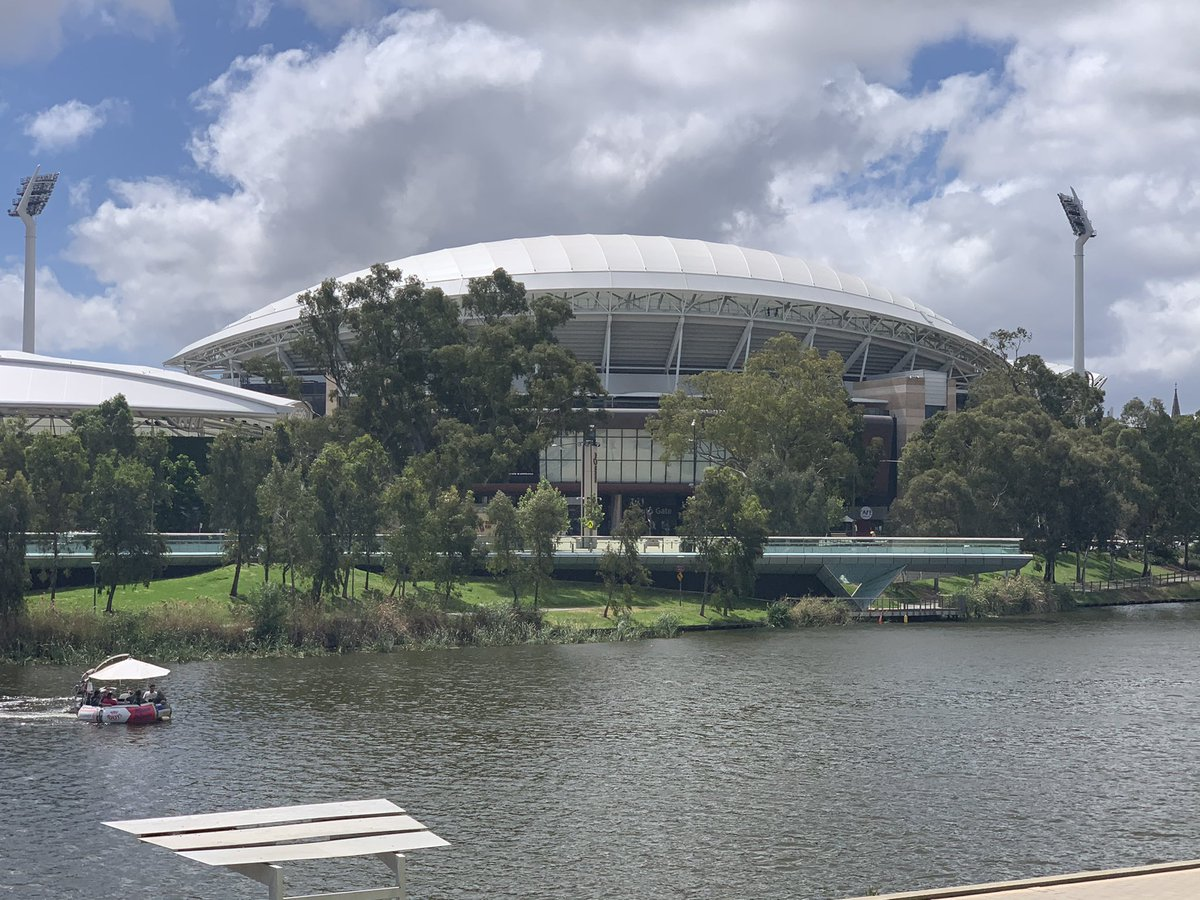 Photo taken at what would have been Grand Final start time if it was at Adelaide Oval. Sun shining! @AFL have chosen Brisbane at their own peril. @7AFL @TheAdelaideOval  @CityofAdelaide @SANFL https://t.co/rqUo4hdnJm