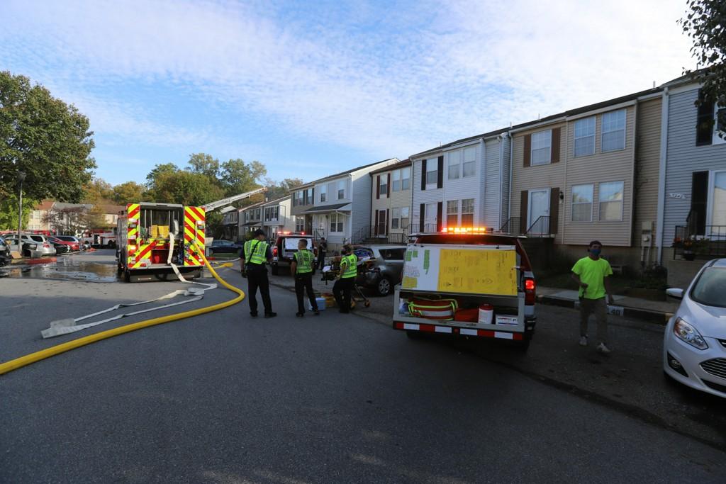 Firefighter Injured Battling Townhouse Fire In Howard County https://t.co/NRCJcbnYeW https://t.co/s0MjkrQc7l