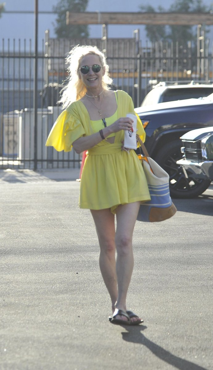 #anneheche ANNE HECHE Arrives at Dancing with the Stars Rehearsal in Hollywood 09/19/2020 https://www.celebsofworld.... https://t.co/iIWOcxOFEN