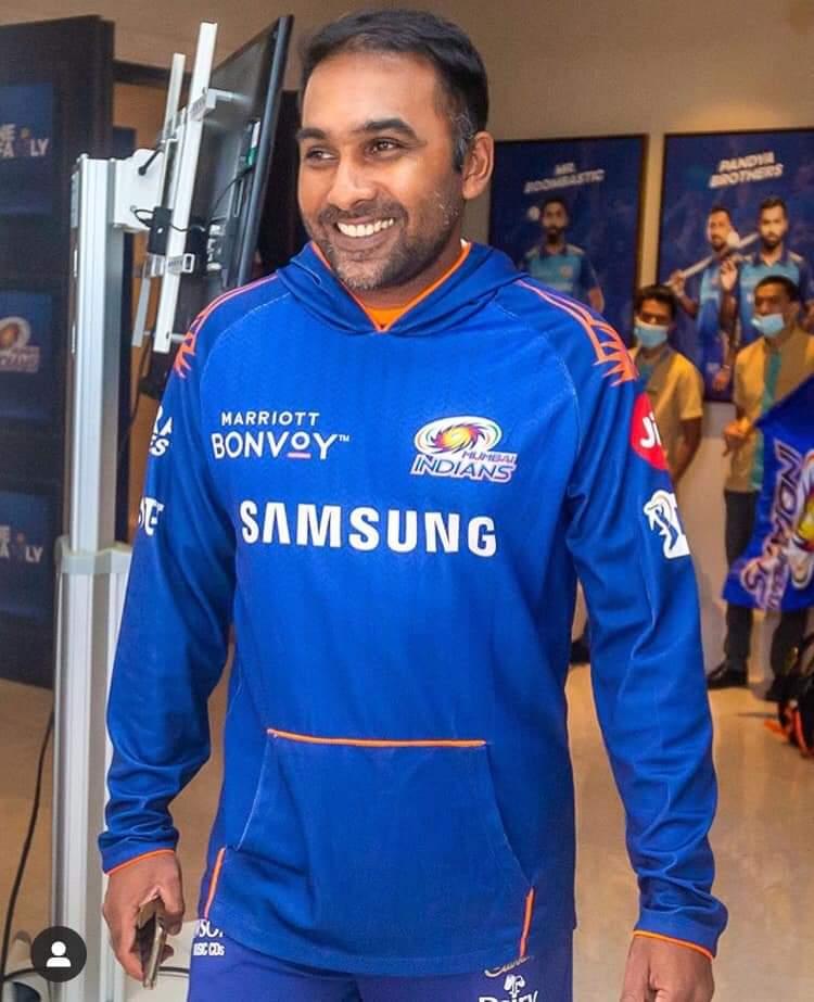 Master mind @MahelaJay  @mipaltan #great #IPL2020 #master #king #smile #peace https://t.co/G98X6snI07