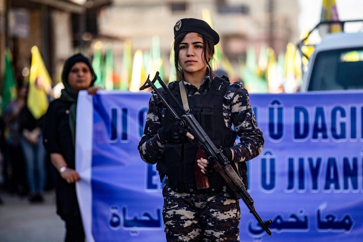 A rally was held in Qamishli, northeastern Syria (Rojava) on Saturday to support the Syrian Democratic Forces (SDF) and Peoples Protection Forces (YPG), and to condemn recent attacks by Turkish forces. 📸Delil Souleiman/AFP